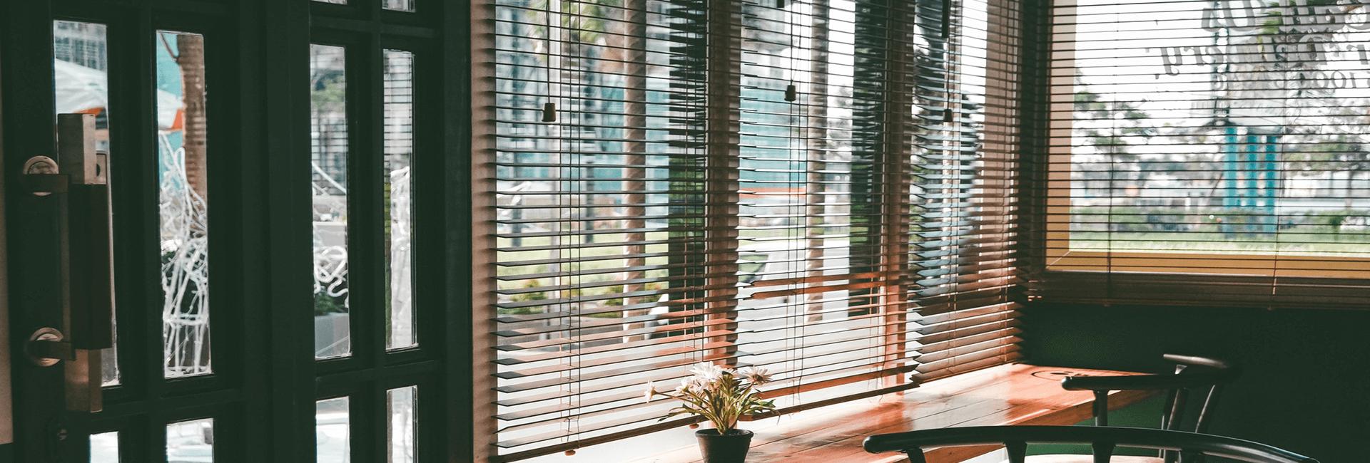 bonnets interiors blinds